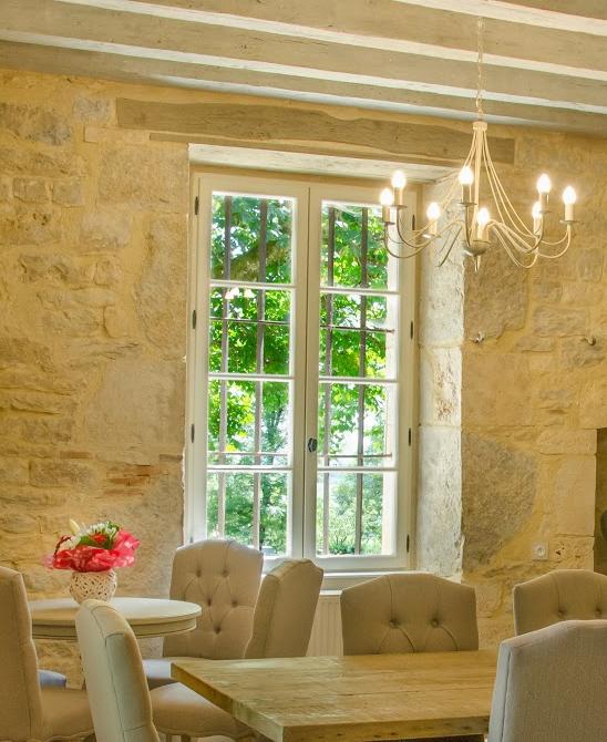 Fenêtre en bois exotique, laqué blanc, gamme Élégance