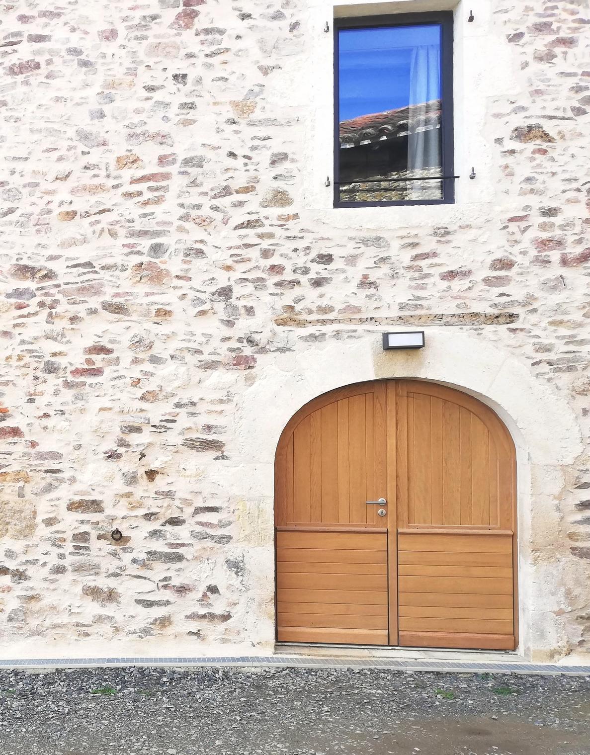 Porte d'entrée Quercy deux vantaux en anse de panier (2)